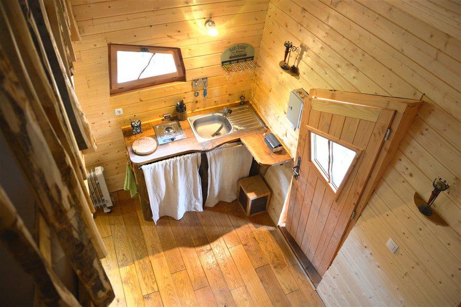 cabane dans les arbres cabane au bois du ch teau la. Black Bedroom Furniture Sets. Home Design Ideas