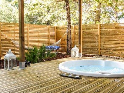 Cabanes avec spa ou jacuzzi dans toute la France