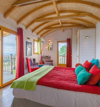 cabane sur l 39 eau cabane sur l 39 eau libellule la cabane. Black Bedroom Furniture Sets. Home Design Ideas
