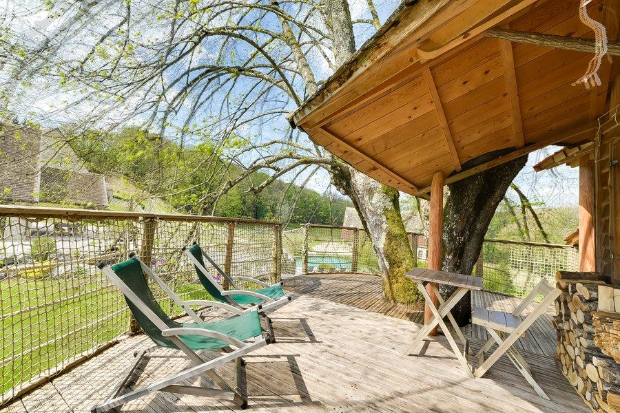 cabane dans les arbres cabane spa des tilleuls la. Black Bedroom Furniture Sets. Home Design Ideas