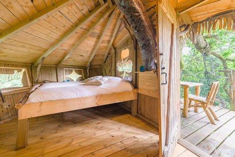 les cabanes de les grands lacs en franche comt haute sa ne 70. Black Bedroom Furniture Sets. Home Design Ideas