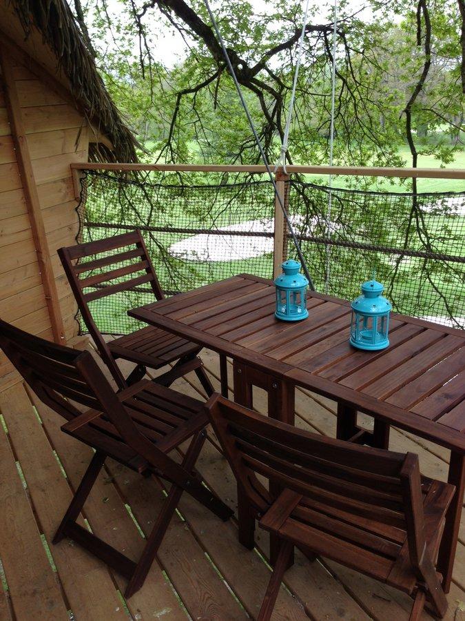cabane dans les arbres la r veuse la cabane en l 39 air. Black Bedroom Furniture Sets. Home Design Ideas