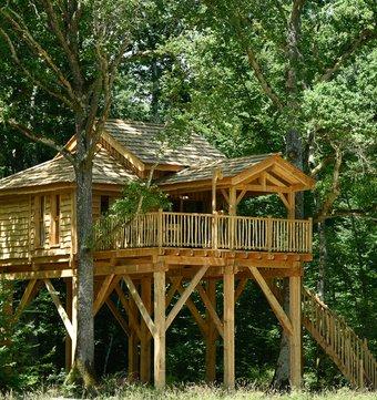 cabane dans les arbres cabane des blots spa la. Black Bedroom Furniture Sets. Home Design Ideas