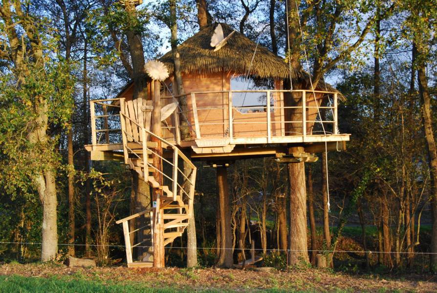 cabane dans les arbres cabane butterfly la cabane en l 39 air. Black Bedroom Furniture Sets. Home Design Ideas